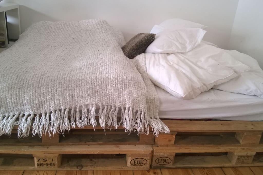 Schlafzimmer: Doppelbett
