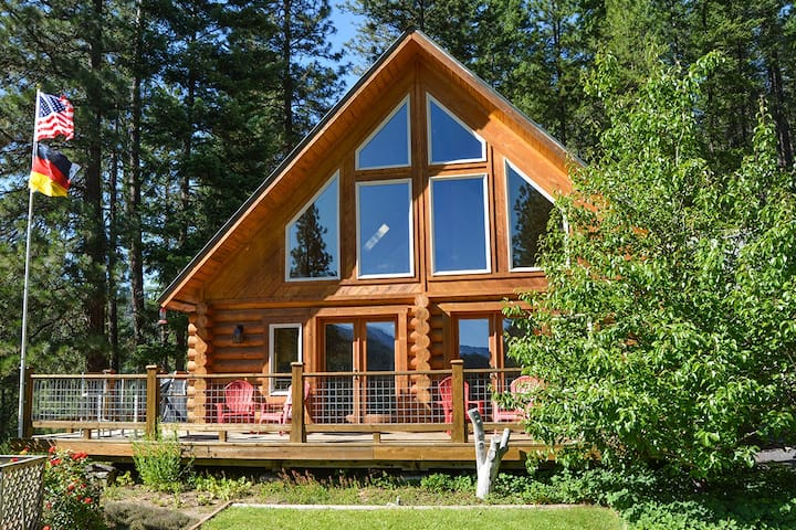 The Lookout Haus - view, 6 pvt acres - Leavenworth