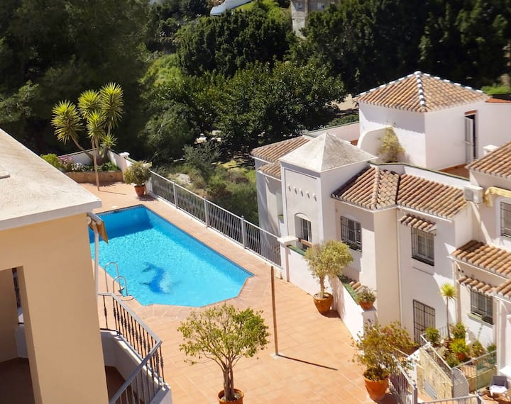 Lovely apartment with roof terrace near Burriana
