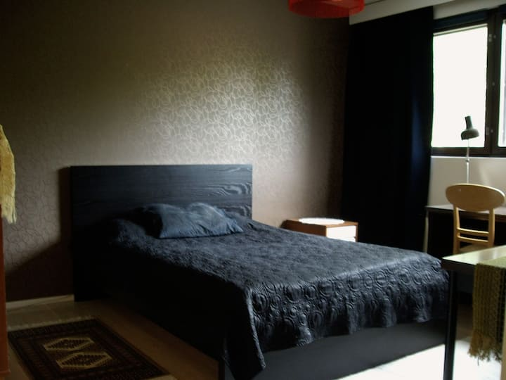 Nice double bed room 21 minutes from Helsinki city