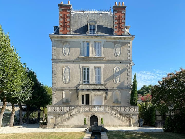 Stunning Chateau on the river bank in Saint Astier