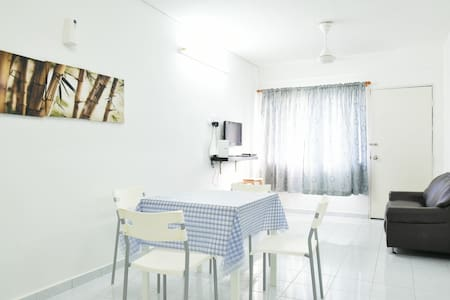 Clean & Cozy Budget Flat @ Malacca City - Malacca - Apartment