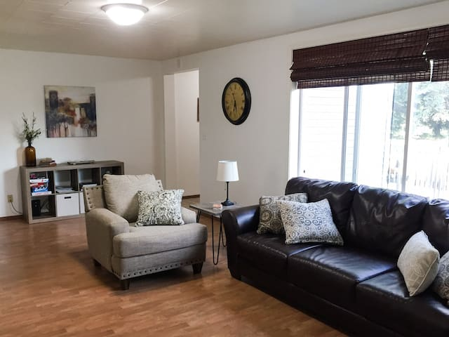 Modern 2 Bedroom Apartment in Devils Lake