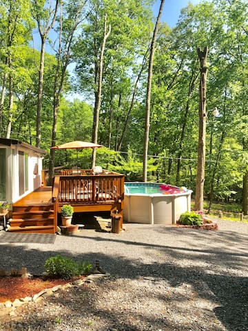 Pocono cabin w PRIVATE POOL at Shawnee/Camelback