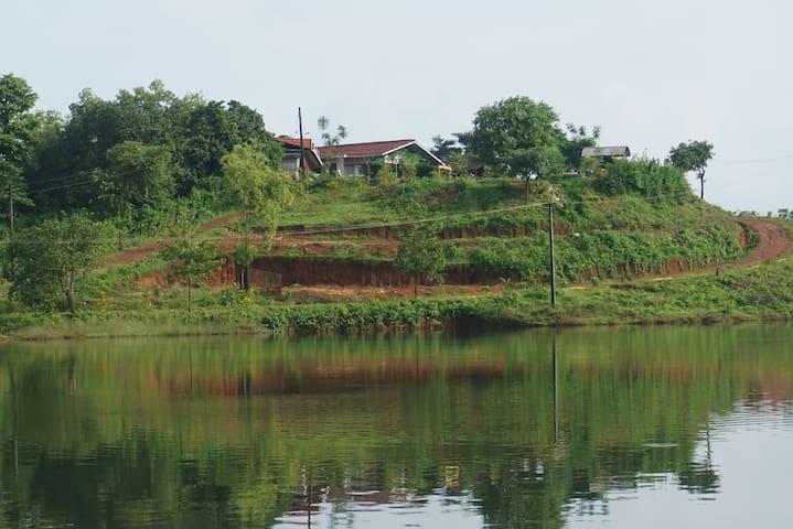 THE LAKE CHALET