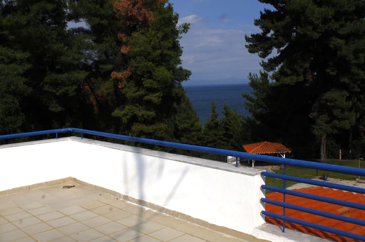 διαμέρισμα με μαγευτική θέα θάλασσα - Kriopigi - Byt