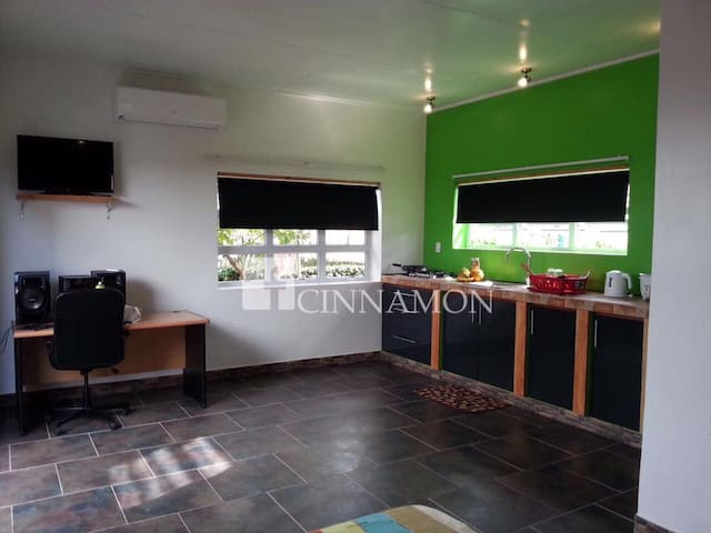 Studio apartment close to Hermitage mall - Paramaribo - Lägenhet