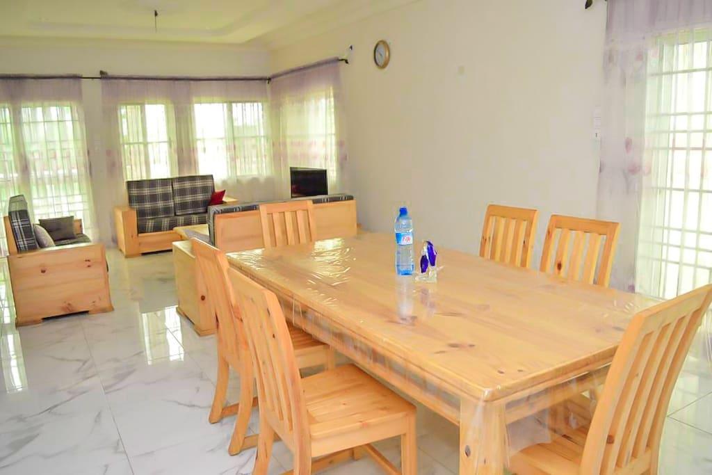 Table à manger ou espace travail