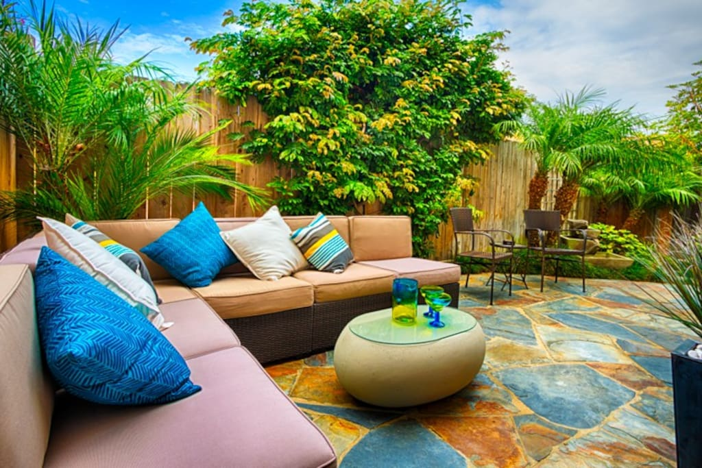 Tropical feeling outdoor area for guests to relax.