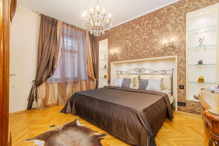 Great Tversksaya Street apartment