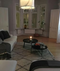 Beautiful big flat in city center, free parking. - Örebro