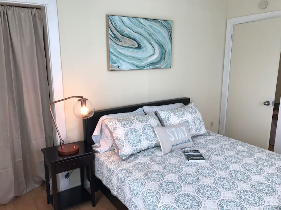 All new bedding and furniture