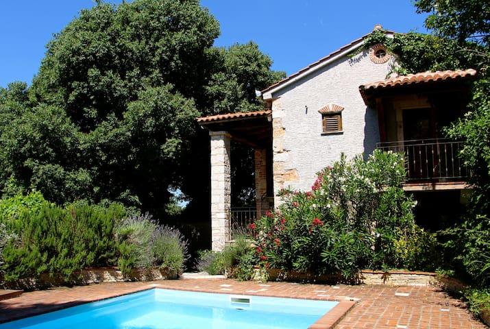Magnifique et authentique villa - Matulini - Huis
