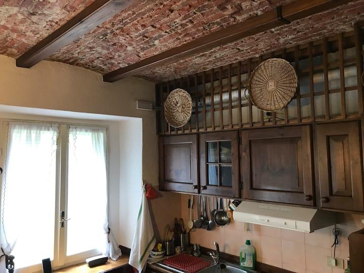Traditional apartment, close to lake Como, quiet,