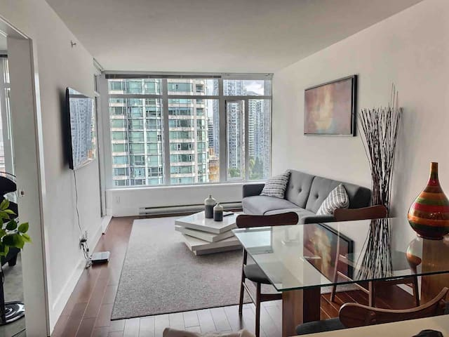 High end luxury condo yaletown