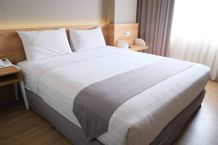 Deluxe Room Allstay Hotel Semarang
