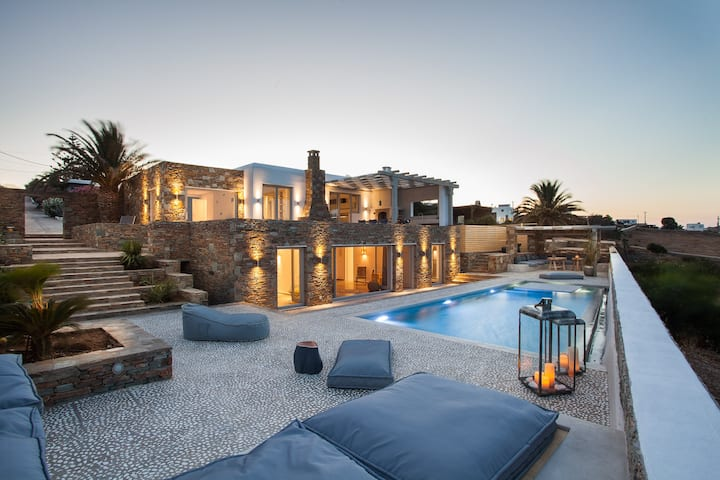 Myconian Platinum Superior Villa