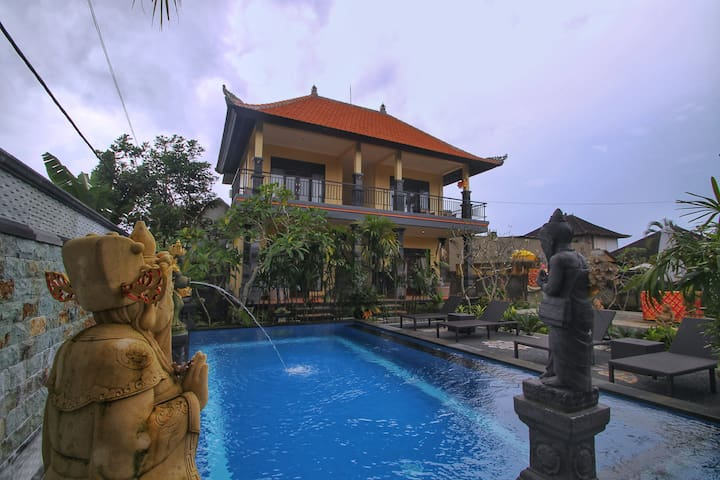 Cozy Double Bedroom - Pondok Giri Suniya Ubud