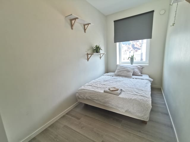Bedroom near everything