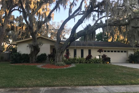 Classy Room in Renovated Home 3-Near/Brandon/Tampa