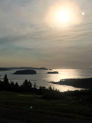 Beautiful Ocean View Cottage - Parrsboro - Chatka