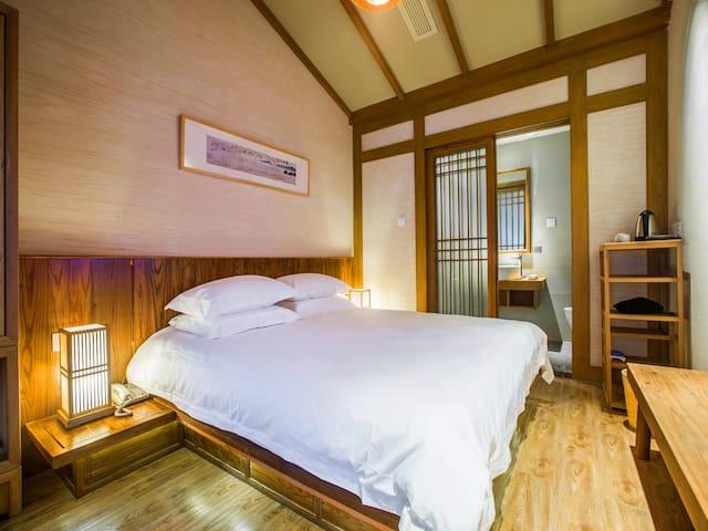 鼓楼旁宋式客栈的那一张大床——吴山居 - Hangzhou - Bed & Breakfast