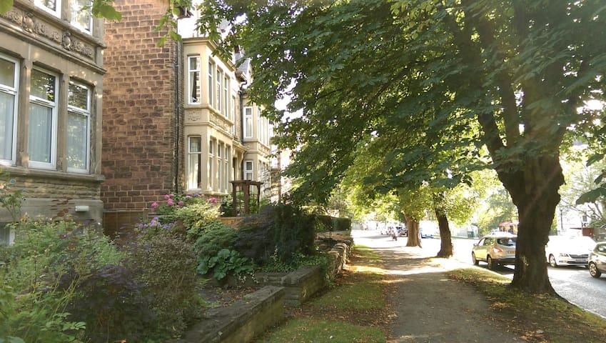 Central Harrogate, Victorian house, Double Rooms