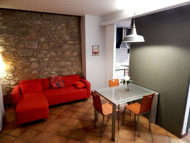Girorooms loft pour couples | Acinenne Ville Ballesteries