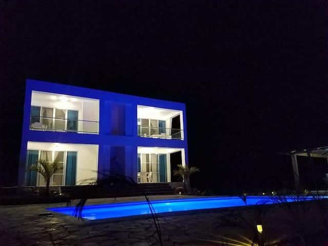 Villa Thiago-ApartaEstudio-
