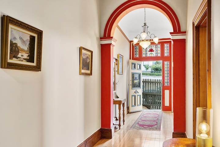 Charming renovated classic close to CBD - Hobart - Dom