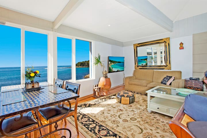 Beach House Manly Apartment 2 (Penthouse)