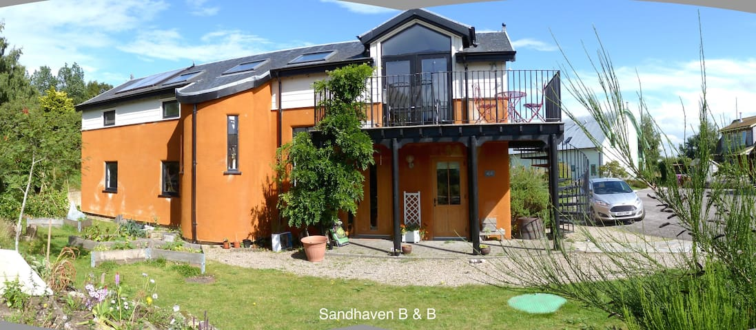 Sandhaven -  at the heart of Findhorn Eco village