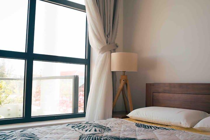 YOURS Homestay - Single room balcony view