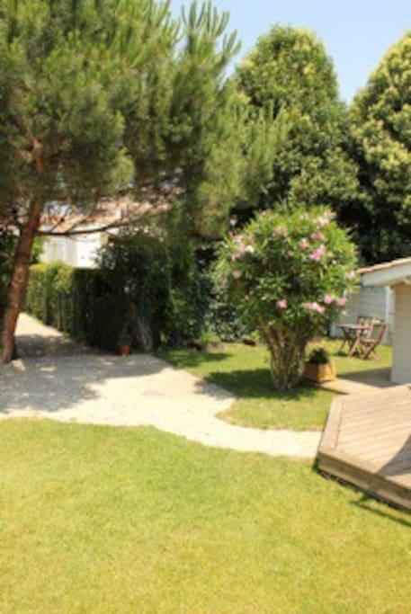 Maison bordeaux avec jardin et terrasse houses for rent in bordeaux nouvelle aquitaine france - Terrasse et jardin bordeaux roubaix ...