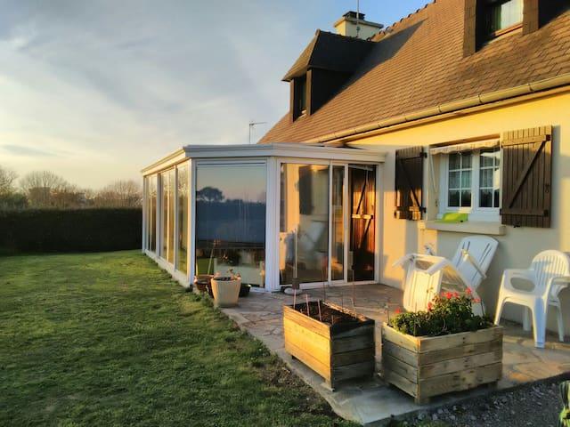 Jolie maison entre campagne et mer - Primelin