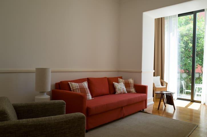 Lisbon Tale - apartment & garden