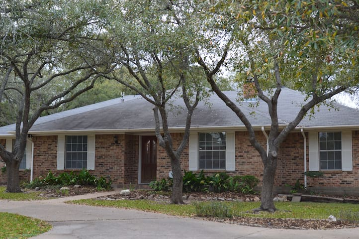 Lots Of Space Near Texas A M Houses For Rent In Bryan Texas United St