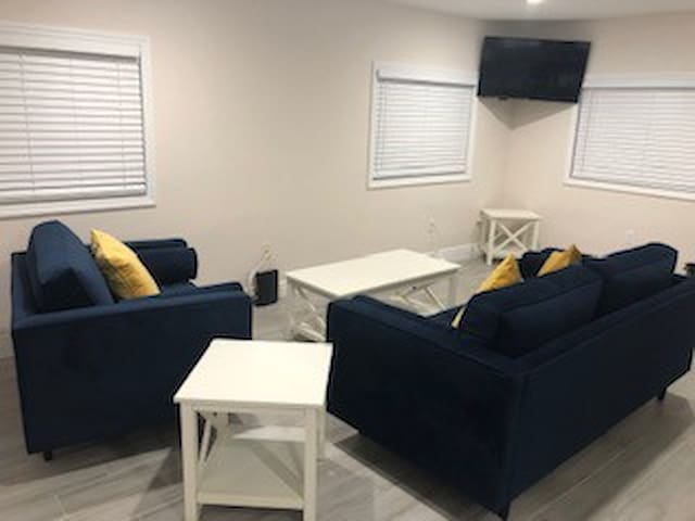 Newly Renovated Bungalow in the heart of Tampa!