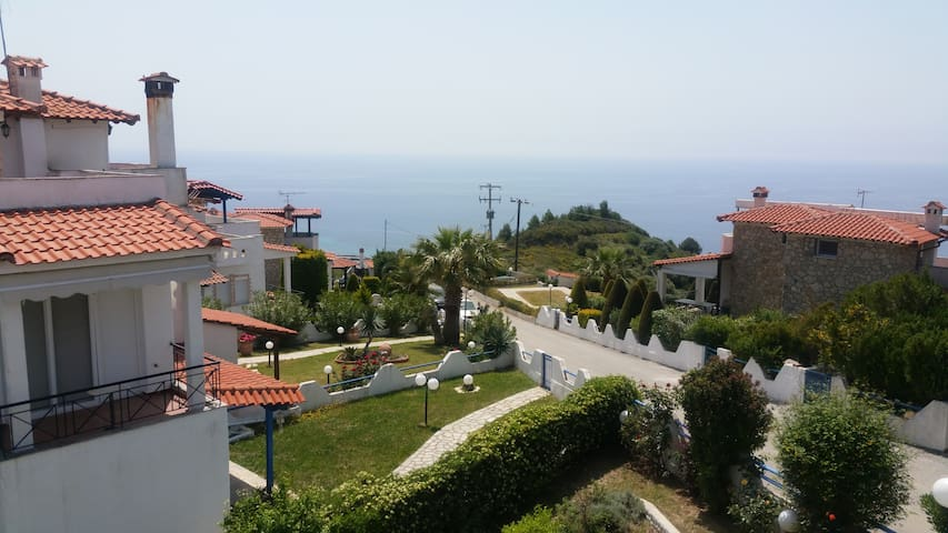 LOUTRA SEA VIEW VILLA