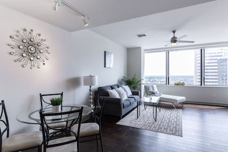 Luxurious Apartment, Downtown Dallas - Ντάλας - Σοφίτα
