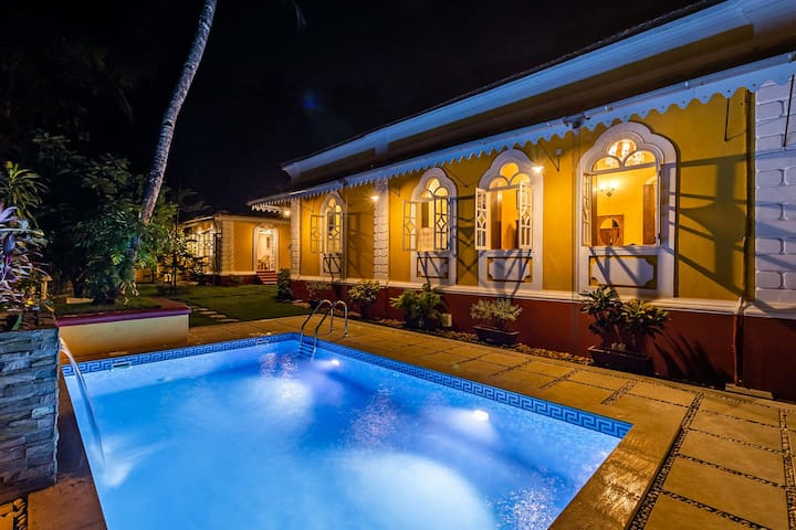 Casa vita 4BR w/Pvt Pool Field Views Nature Trails