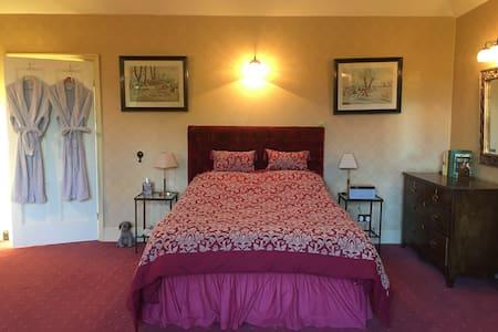 Cheswell Grange Suite