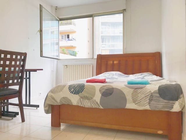 apartment close to airport and train station