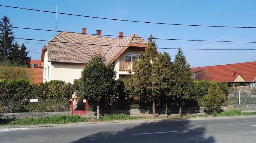 Gabriella Ház Szóládon