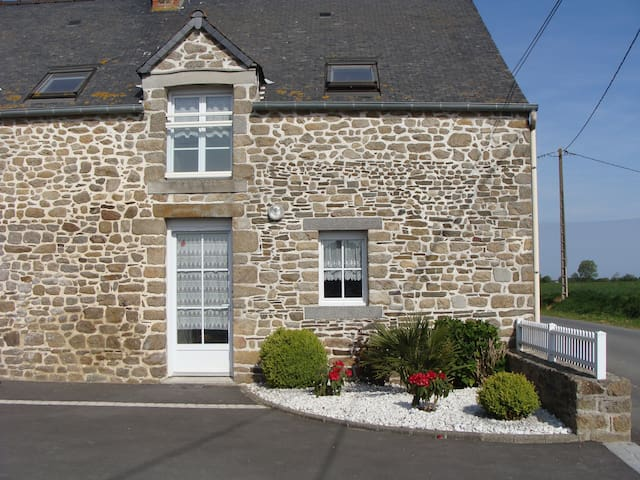 Maison entre Saint Malo et le Mt St Michel