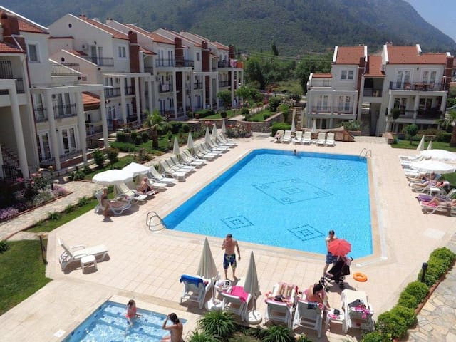 Lovely apartment with two pools in Hisaronu center - Fethiye
