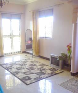 MOORE'S HOUSE ENTEBBE - Wakiso