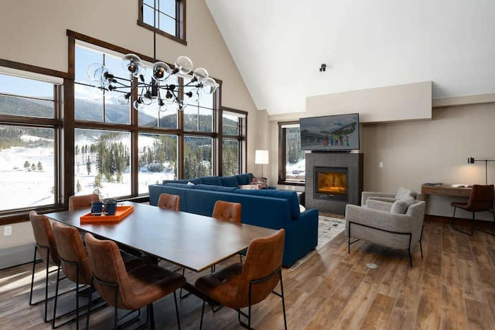 Luxury Ski In / Ski Out Penthouse   Two Floors   All the Amenities!
