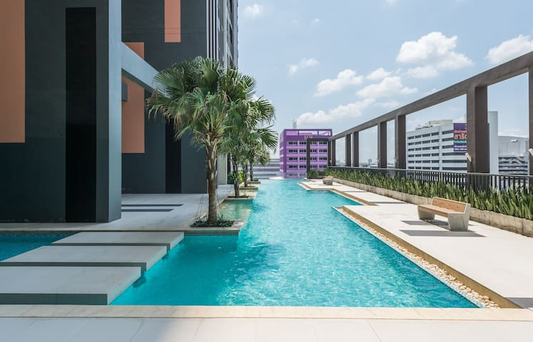 10 mins to IMPACT Arena with modern cozy living - Nonthaburi - Appartement