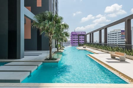 Swimming pool View Modern Living @ Impact area
